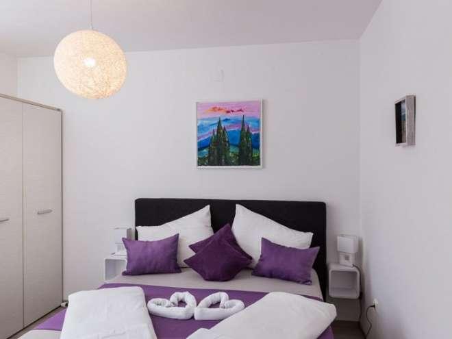 Orange tree apartment