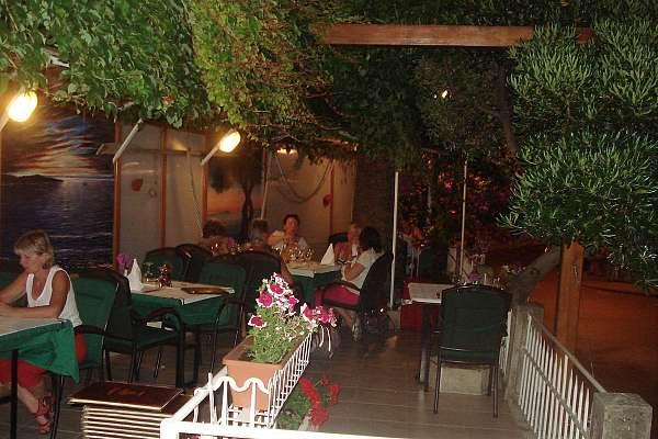 Konoba/Tavern KOLONA