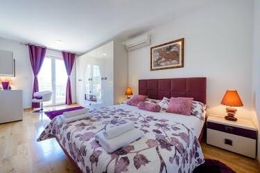 Apartment Bayview